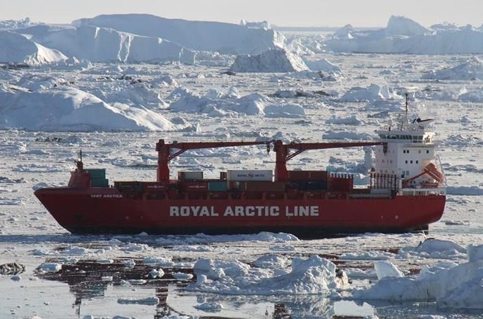 Arctic Line : Container ship mary arctica damaged after hitting an